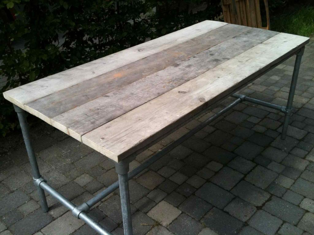Tafels stoerxl for Stijgerhout tafel